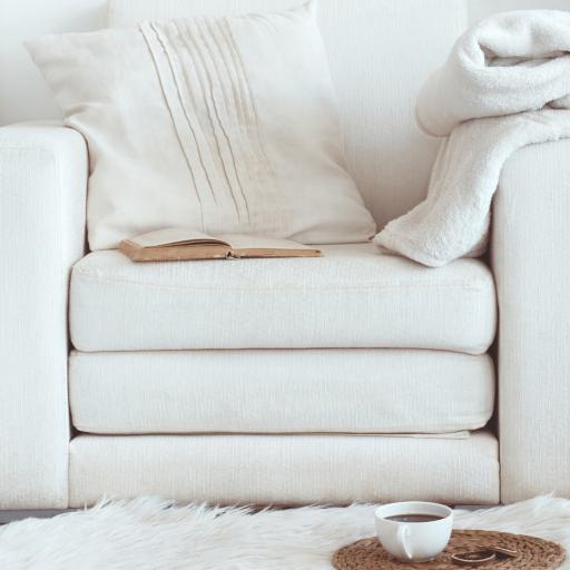 Of zo simpel als een comfortable fauteuil met een zacht kleedje aan je voeten, een boek in je hand en een kop thee erbij!