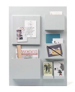 10. Modern - DIY - Memobord - Prijs afhankelijk van materiaalgebruik - Super leuk om je pennen en notitieboekjes in op te bergen!